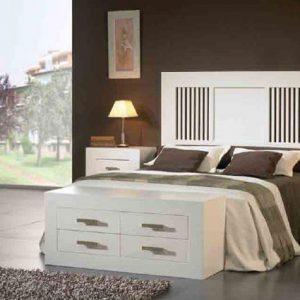 Dormitoris de pi massís colonial